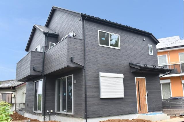 外壁塗装で人気の色とメリット・デメリット